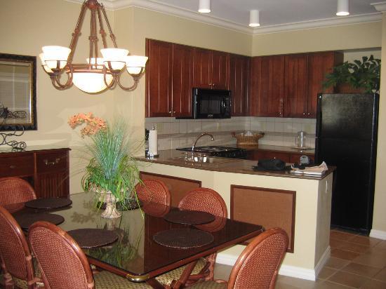 Hyatt Windward Pointe: Kitchen/dining room