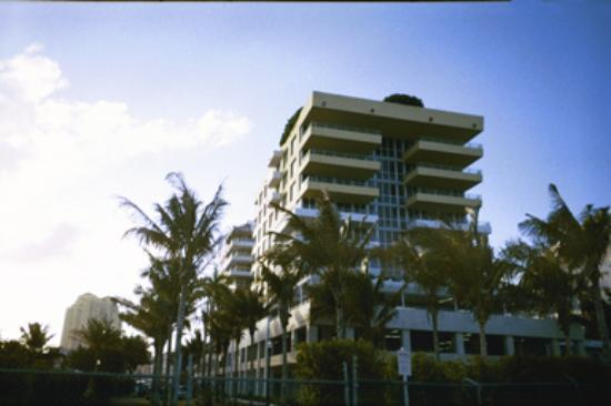 Hilton Bentley Miami/South Beach: The hotel is ocean front