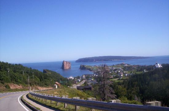 Perce, Canada: View coming into village from East side