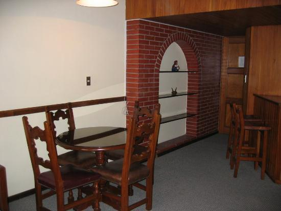 Las Suites Hotel: Dining area of Suite