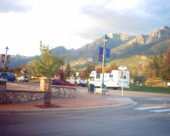 Radium Hot Springs, Canadá: Main Street