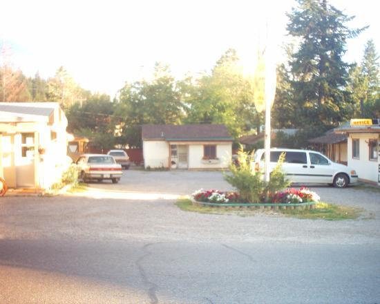 Radium Hot Springs, Canadá: Avoid The Gibson Motel