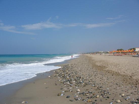 Rethymnon Bay Hotel: hotel beach