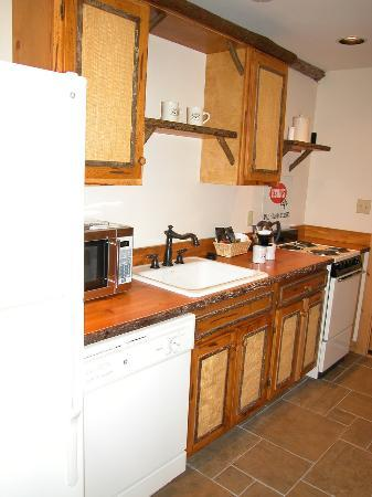 The Lodge at Buckberry Creek: The Kitchen