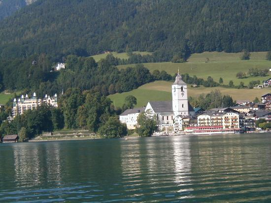 Hotel Furian am Wolfgangsee: St Wolgang from lake