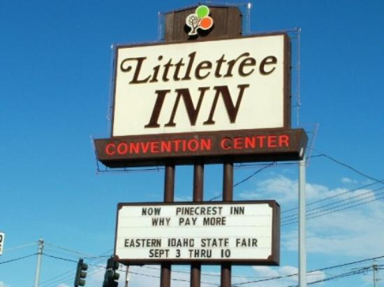 Econo Lodge: The Confusing Sign of the Motel