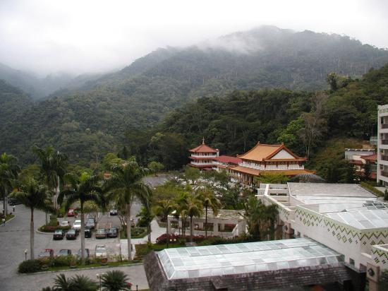 Hotel Royal Chihpen : Another view from our room