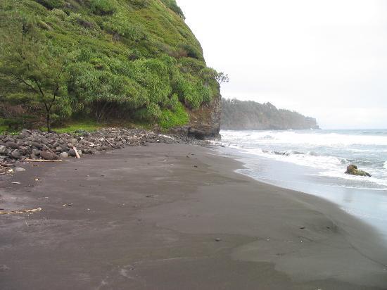 Island of Hawaii, HI: View of beach below
