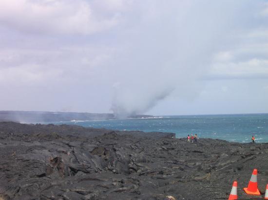 Mt. Kilauea: Current activity entering ocean
