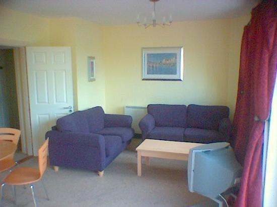 Quality Hotel & Leisure Center Youghal: Sitting-around-and-watching-TV area