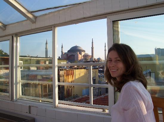 Askin Hotel: View of Haghia Sophia from roof top terrace.