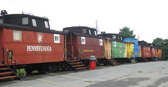 Red Caboose Motel, Restaurant & Gift Shop: General view of one of the four lines of Cabooses