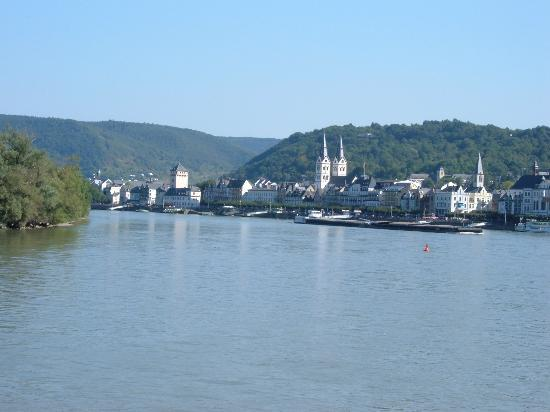 Pension bei Schinderhannes und Julchen: View of Boppard from one of the many boat services