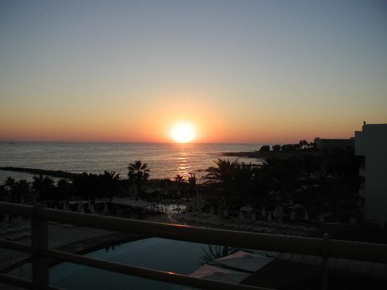 Louis Ledra Beach: sunset from room