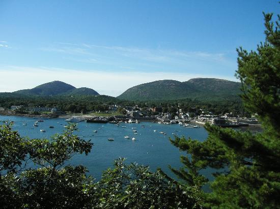 Bar Harbor Inn: Bar Harbor from Bar Island