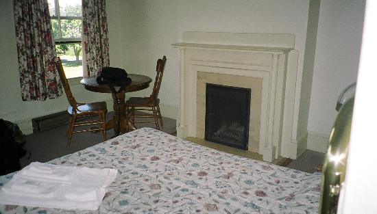 Fort Worden: 2nd Floor Bedroom