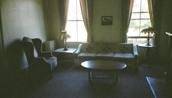 Fort Worden: Living Room