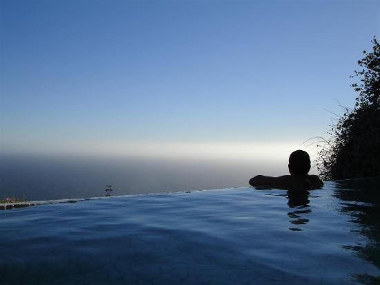 Post Ranch Inn: Happy Birthday Baby...I love you!! ( Pondering the pacific at the infinity Pool during Sunset!)