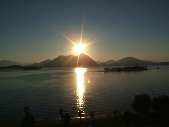 Baveno, Italien: Sunrise from our room