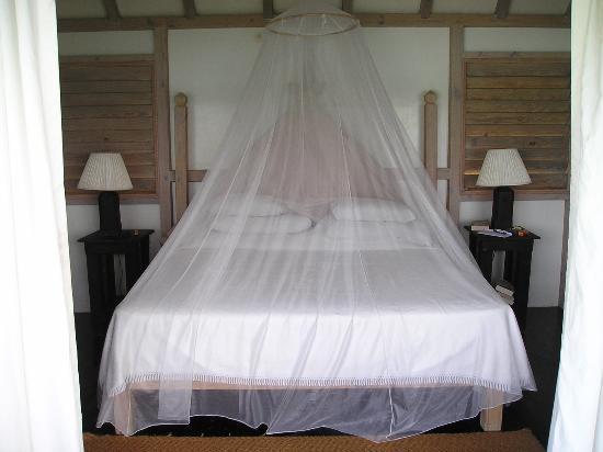 Cocobay Resort : bed