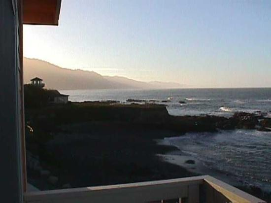 The Tides Inn of Shelter Cove: View to left from our deck.