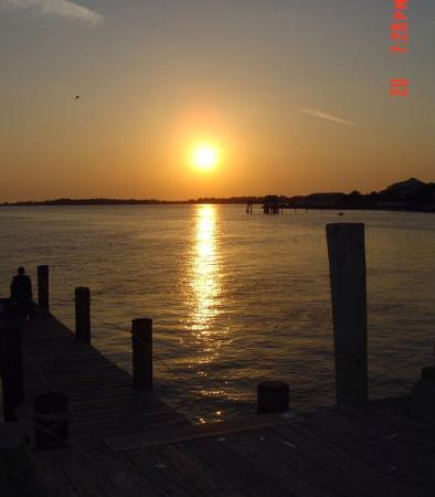 Island Hotel & Restaurant : sunset in Cedar Key