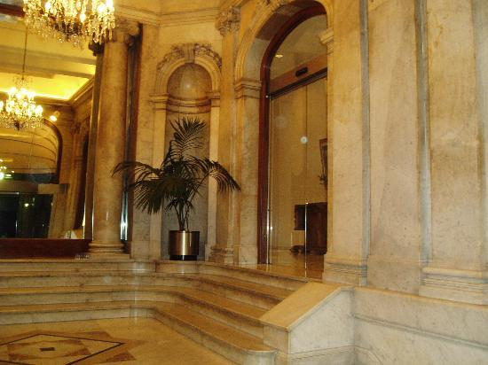 Hotel Montecarlo Barcelona: Hotel Entrance