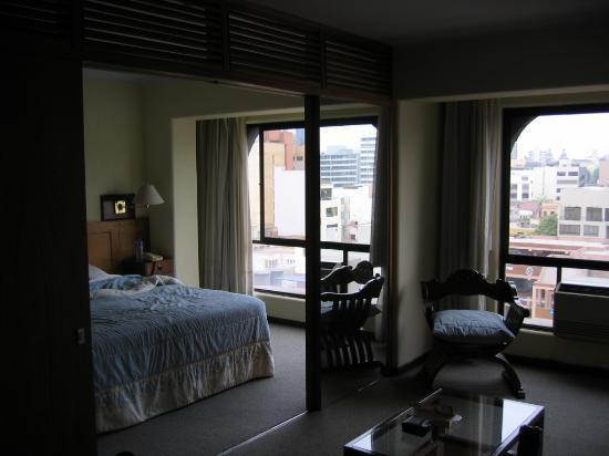 Las Suites Hotel