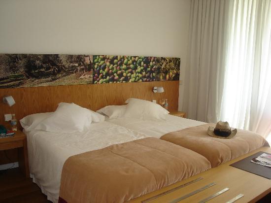 Aimia Hotel: bedroom