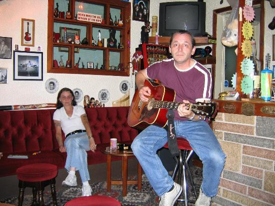 """The Newlands Hotel: Late Night """"Jamming Session"""""""