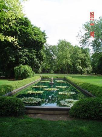 Cantigny Gardens, Chicago Western Suburbs, IL - Picture of Cantigny ...