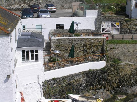 The Lugger Hotel: View of hotel from coastal path