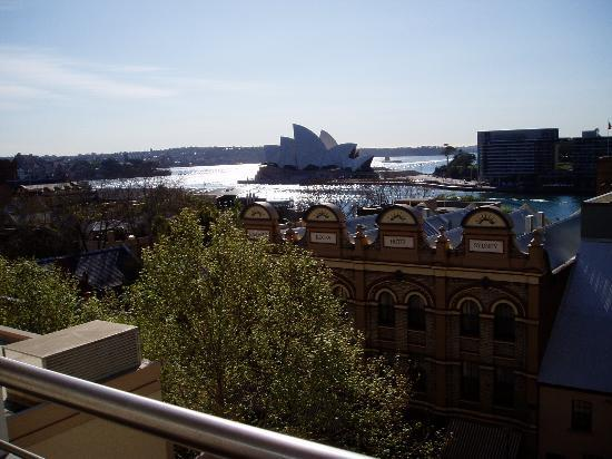 Rendezvous Hotel Sydney The Rocks: Opera House - View from 5th floor room balcony