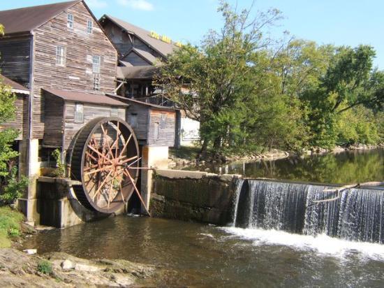 แกตลินบูร์ก, เทนเนสซี: Old Mill
