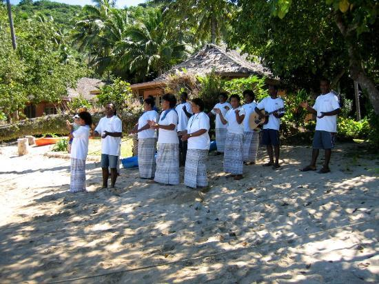 Kulu Bay Resort: Greetings and farewells were an event.