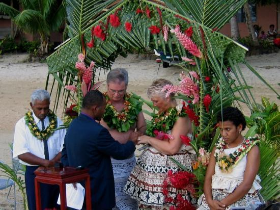 Kulu Bay Resort: our Beqa wedding on the beach