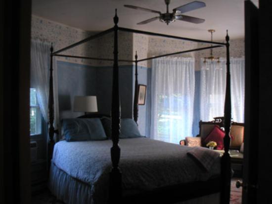 New Hope's 1870 Wedgwood Bed and Breakfast Inn: A room at Wedgewood Inn