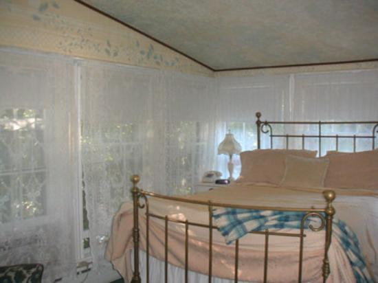 New Hope's 1870 Wedgwood Bed and Breakfast Inn : A room at Umpleby House