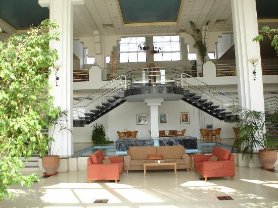 Hotel St. George: Lobby at St George Hotel