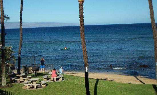 Hale Mahina Beach Resort: from 2nd floor lanai