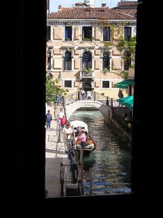 Palazzo Priuli: View from the room, overlooking the canal
