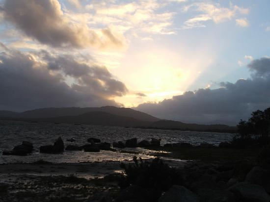 Foxford Lodge: sunset on Lough Cluan