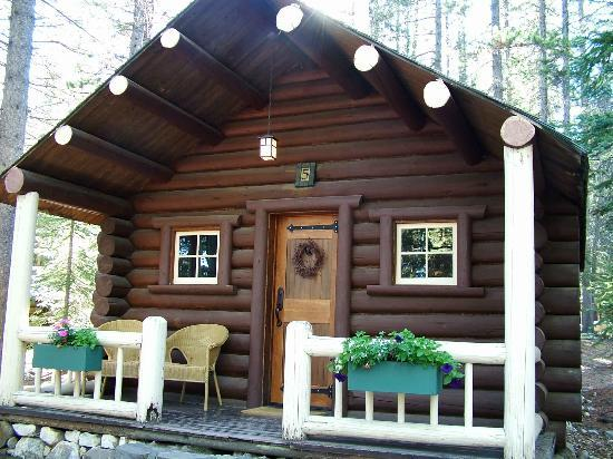 Storm Mountain Lodge & Cabins: Cabin Number 5