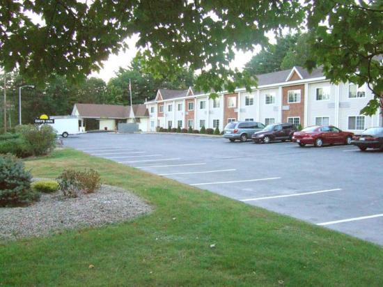Days Inn Campton: Outside