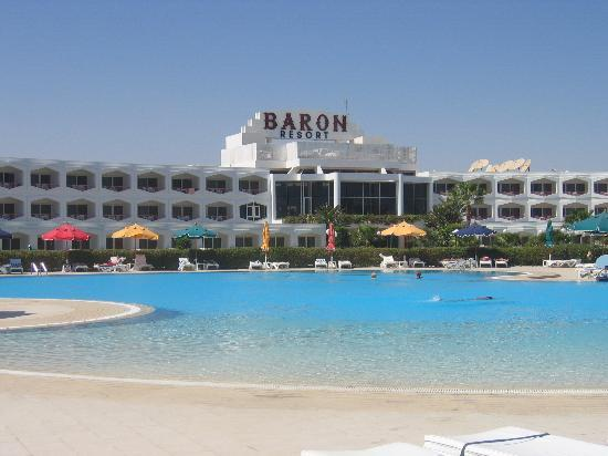 Baron Resort Sharm El Sheikh: Main pool and hotel