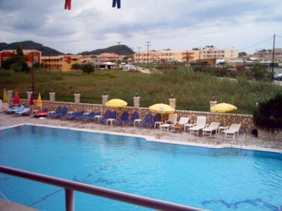 GARNAVOS/PARADISE APARTMENTS (Sidari, Corfu) - Hotel ...