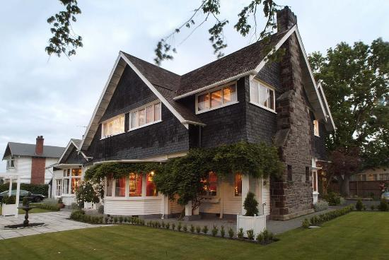 Elm Tree House: Fine old house