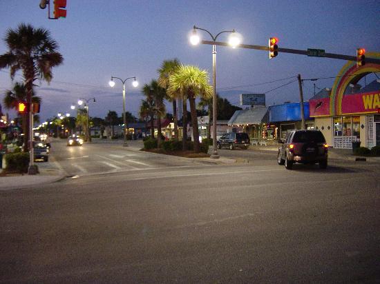 Avista Resort 3 Blocks Away Main Street