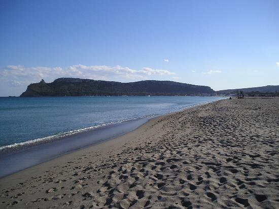 Quartu Sant'Elena, Italy: Quiet Beaches (Poetto)
