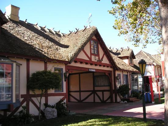 Solvang Inn and Cottages: Outside